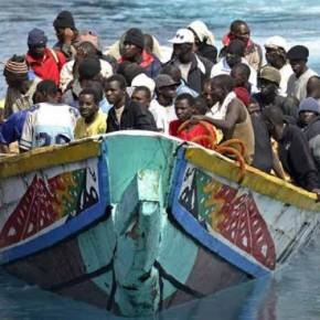 Expertos piden un lenguaje adecuado para no criminalizar a los inmigrantes que intentan llegar a Ceuta yMelilla