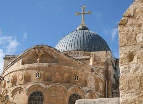Dos familias musulmanas se encargan de custodiar el Santo Sepulcro enJerusalén