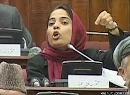 """Malalai Joya: """"La ocupación militar ha traído la muerte aAfganistán"""""""