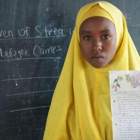 Niños de Kenia envían cartas a refugiados deguerra