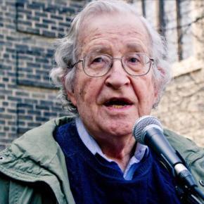 Chomsky rechaza 'amenaza iraní' y denuncia armas nucleares deIsrael