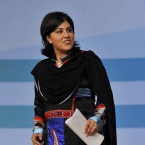 Entrevista a la Baronesa Warsi.    'Londres está en guerra fría con las comunidades islámicas'