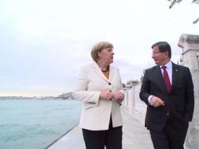 ¿Cuál es el juego de Angela Merkel conTurquía?