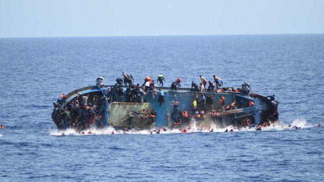 embarcacion-refugiados-Marina-Militar-italiana_EDIIMA20160525_0578_27