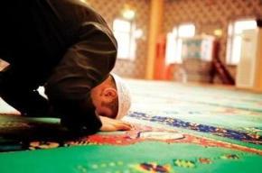 """""""La Ciencia ha Demostrado que el Rezo Islámico es Beneficioso para laColumna"""""""