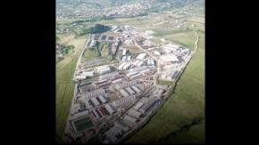 ¿Quién financia la base militar de terroristas de MKO enAlbania?