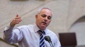 Ministro israelí: Las victorias de Assad nos han puesto derodillas