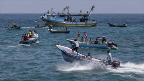 Israel abre fuego contra barcos que buscan romper asedio deGaza