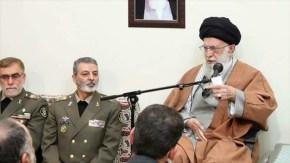 Ayatollah Khamanei elogia papel de las fuerzas armadas iraníes contra elterrorismo